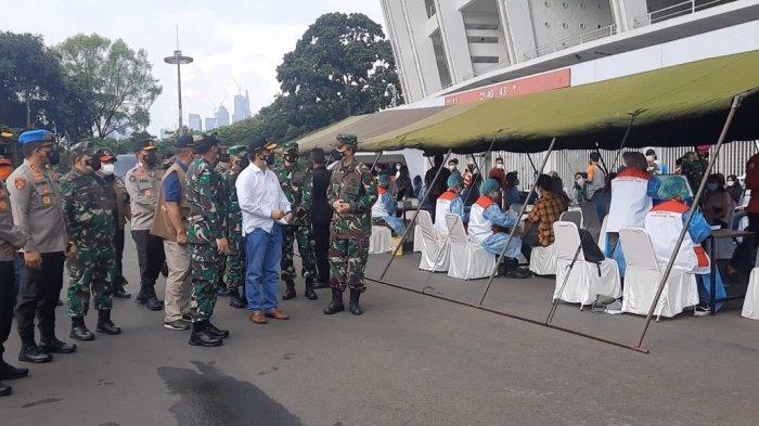Panglima TNI dan Menteri Kesehatan Tinjau Sentra Vaksinasi Covid-19 di GBK