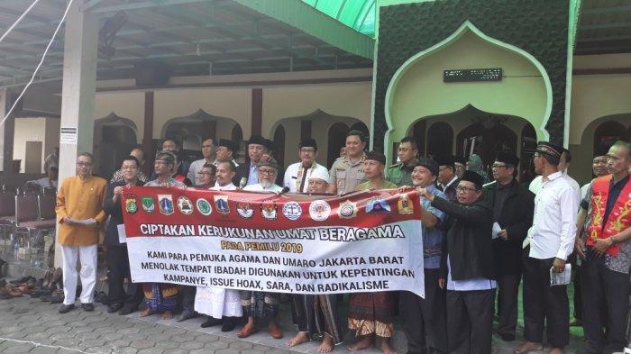 Pasang Spanduk Larangan Kampanye di Tempat Ibadah, Langkah 3 Pilar di Jakarta Barat Diapresiasi