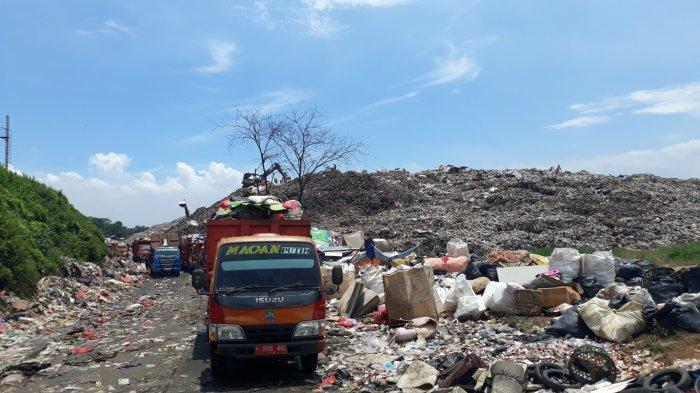 Menumpuk, 900 Ton Sampah Per Hari di Kota Bekasi Belum Terangkut ke Pembuangan Akhir