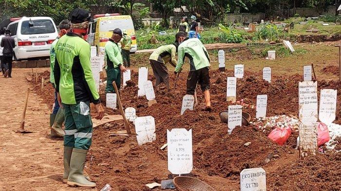 Lebih dari 900 Jenazah Covid-19 Sudah Dimakamkan di TPU Bambu Apus