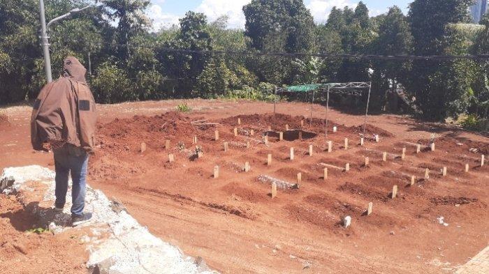 Kematian Covid-19 di Tangsel Melonjak, Petugas Makam TPU Jombang Kekurangan Peralatan Gali Tanah