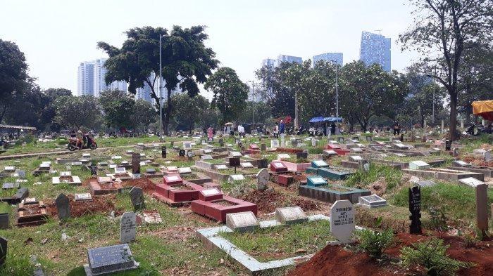 Cerita 2 Wanita Pembersih Makam di TPU Menteng Pulo Jelang Puasa: Cari Tambahan Rezeki Bantu Suami