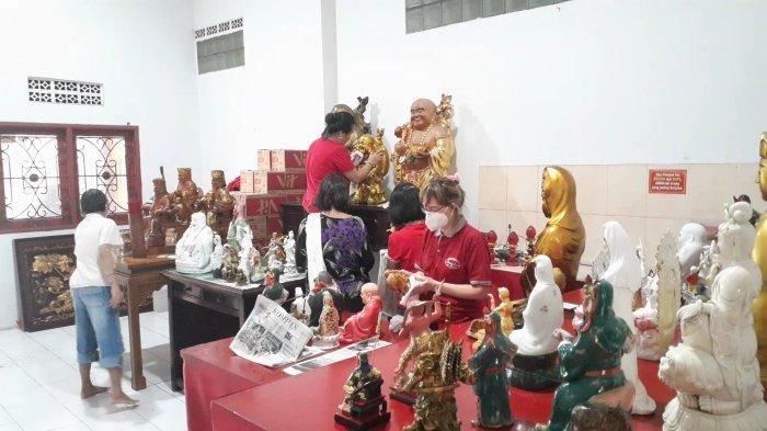 Tradisi cuci rupang di Wihara Kwan In Thang, Pondok Cabe Udik, Pamulang, Tangerang Selatan (Tangsel), Sabtu (6/2/2021).