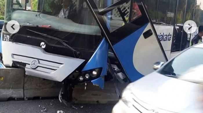 Panik Hindari Ranting Pohon Jadi SebabKecelakaan Bus TransJakarta di Jalan S Parman Tadi Pagi