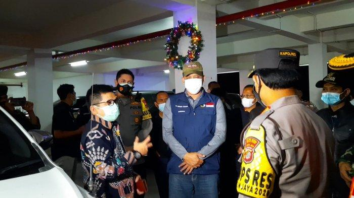 Pantau Pelaksaan Misa Malam Natal, Wakil Wali Kota Bekasi Pastikan Protokol Kesehatan Diterapkan