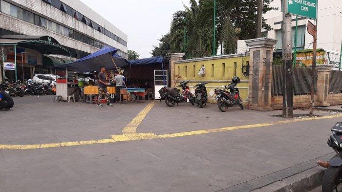 Masih Revitalisasi, Trotoar di Sepanjang Jalan Cikini Raya Jakarta Pusat Jadi Lapak Parkir