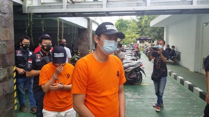 Para tersangka penyelundupan 72.288 benih lobster di Bandara Soekarno-Hatta yang siap kirim ke Singapura, Selasa (4/5/2021).