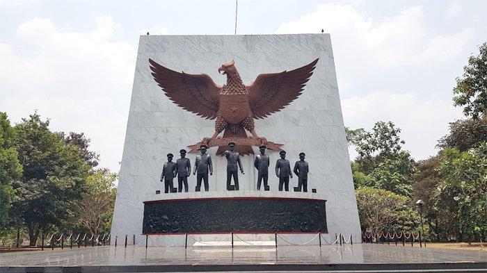 Tugu Pahlawan Revolusi yang nampak berdiri megah di Komplek Monumen Pancasila Sakti, Lubang Buaya, Cipayung, Jakarta Timur, Sabtu (29/9/2018).