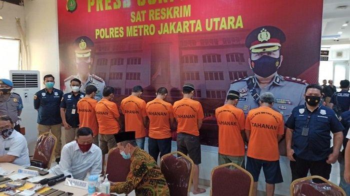 Tujuh orang pelaku pemalsu buku nikah yang diringkus Unit Resmob Satreskrim Polres Metro Jakarta Utara, Selasa (16/3/2021).