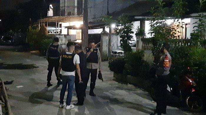 Detik-detik Polisi Gerebek Rumah John Kei di Bekasi: Terdengar Suara Tembakan Hingga Kagetnya Warga