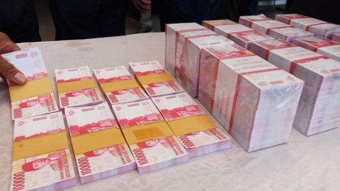 BREAKING NEWS Wanita di Tebet Belanja Pakai Uang Palsu di Pasar Bukit Duri
