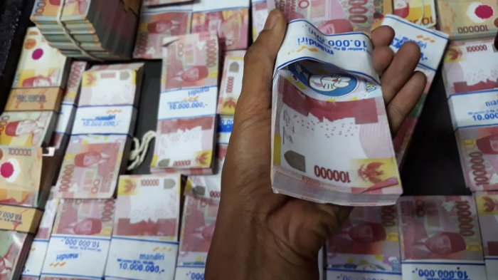 Diduga Bayar Daging Pakai Uang Palsu, Wanita Berjaket Loreng di Depok Diamankan Polisi
