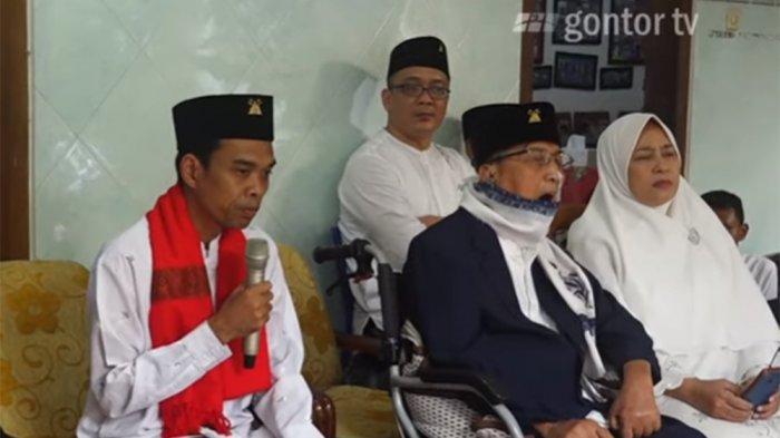 Ustaz Abdul Somad Mengenang KH Abdullah Syukri Zarkasyi: Saya Hanya Berdoa dan Pegang Tangan Beliau