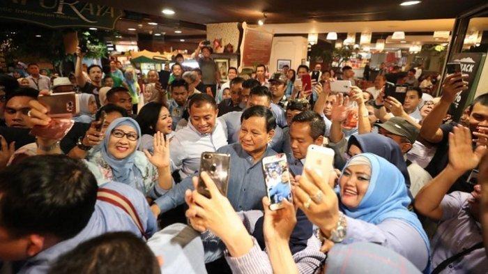 Prabowo Ultah: Doa Andi Arief, Kemungkinan Rujuk dengan Titiek Soeharto Hingga Kejutan Emak-emak