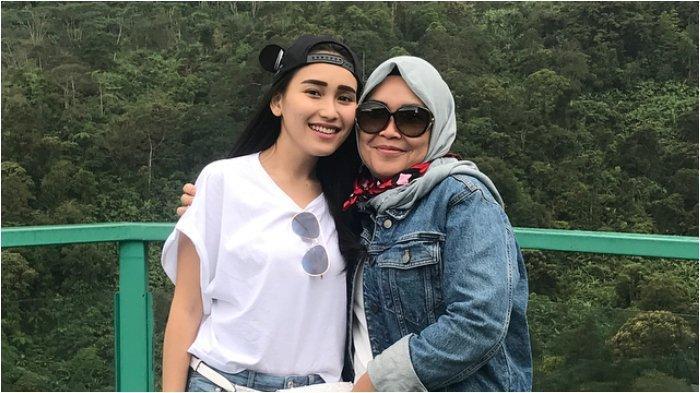 Bocorkan Obrolannya dengan Haters Ayu Ting Ting, Umi Kalsum Melotot: Dia Ngomong 'Memang Saya Benci'