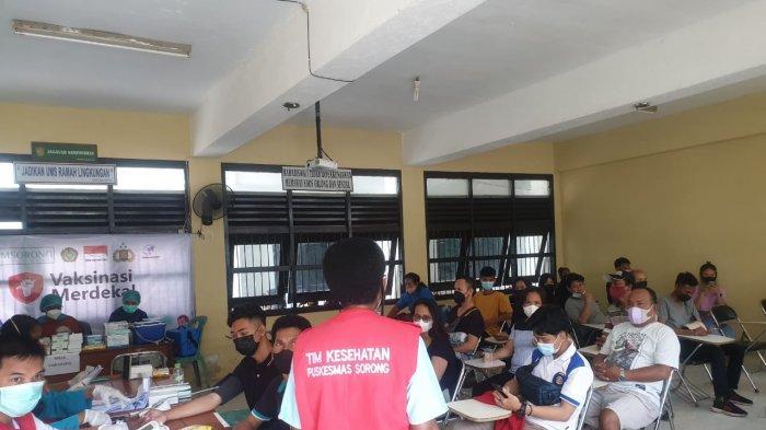 Gandeng Polri, BEM Nusantara Gelar Vaksinasi Merdeka di Sorong