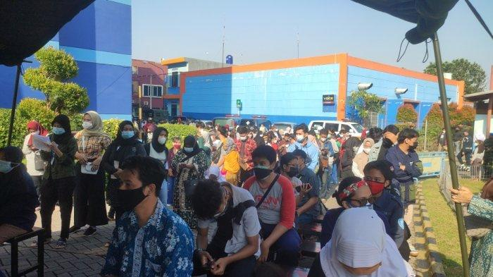 Lanud Halim Gelar Vaksin untuk Warga Bekasi di Mal Pondok Gede: Targetkan 2.500 Warga Dalam Sehari