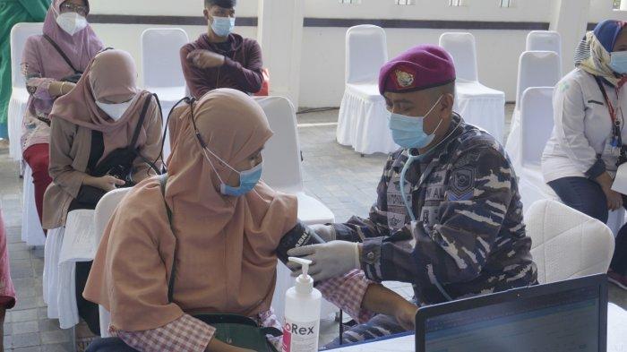 Syukuran HUT ke-76 TNI AL, Korps Marinir Perkuat Herd Immunity Masyarakat dengan 1.000 Vaksin Gratis