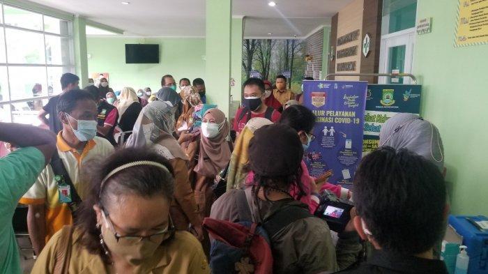 Proses Penyuntikan Pfizer Pemain Persikota Tangerang Berlangsung Rusuh, ASN Berebut Ambil Gambar