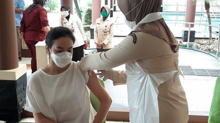 Terungkap Penyebab Banyak Tenaga Kesehatan di Jakarta Selatan Gagal Divaksin Covid-19