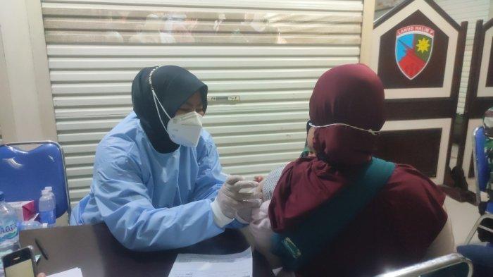 Animo Masyarakat Ikuti Vaksin Covid-19 di Mal Pondok Gede Sangat Tinggi, Ada yang Datang dari Subuh