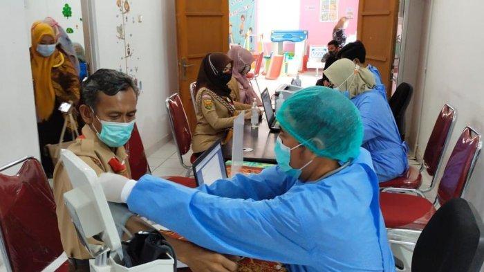 Kadisdik Pastikan 95% Guru di Kota Bekasi Sudah Terima Vaksin Covid-19