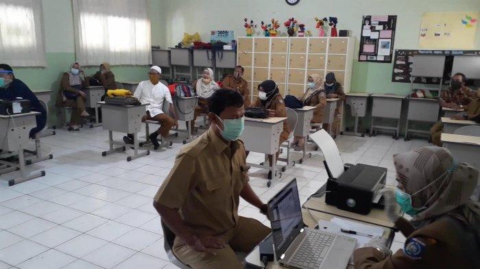 Sekolah Tatap Muka Juli 2021, Guru di Kota Tangerang yang Sudah Divaksin Covid-19 Baru 50 Persen