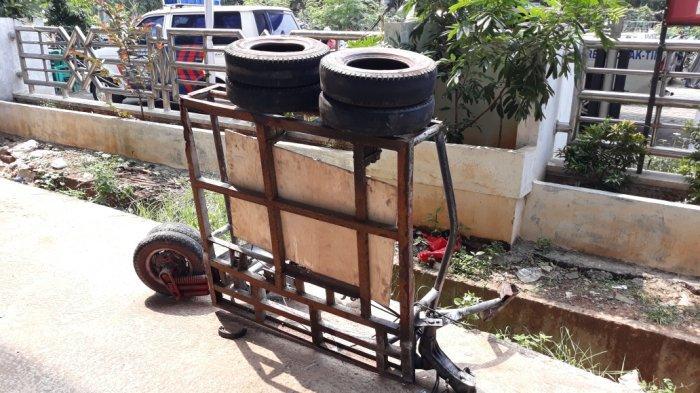Polisi Bekuk Pengemudi Mobil yang Tabrak Rombongan Vespa di Basuki Rahmat Jatinegara