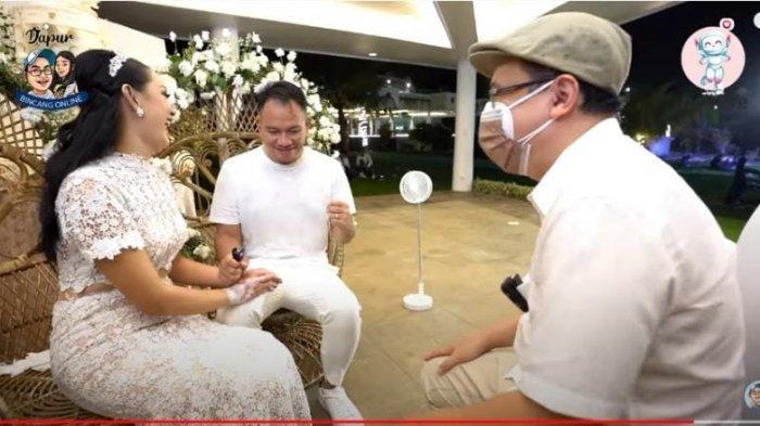 Vicky Prasetyo Joget-joget Bahas Malam Pertama, Kalina Ocktaranny Tersipu Tepuk Tangan Suami: Hey!