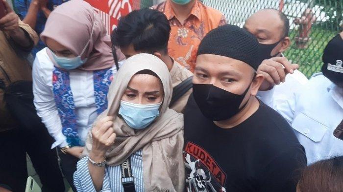 Vicky Prasetyo Divonis 4 Bulan Penjara, Ibunda: Anak Saya Tidak Bersalah