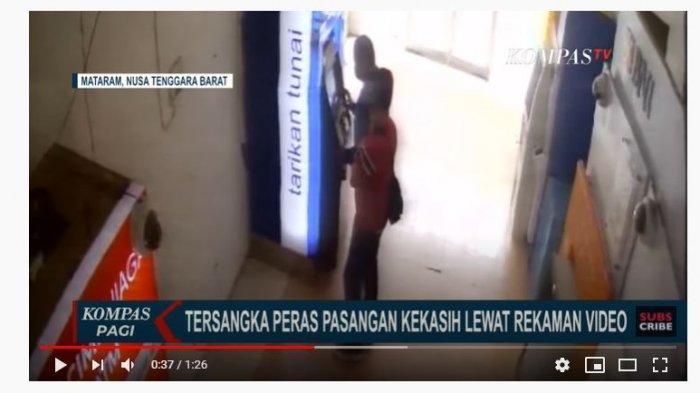 Video rekaman CCTV saat pelaku melakukan pemerasan viral di media sosial.
