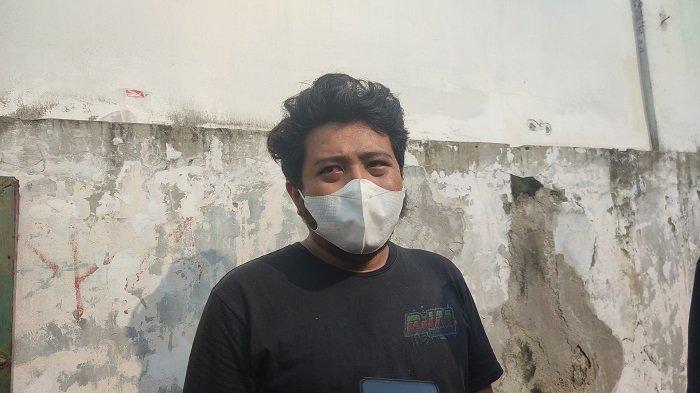 Viki, kakak Trio, pemuda asal Buaran yang meninggal dunia sehari setelah vaksin di Duren Sawit, Jakarta Timur, Senin (23/5/2021)