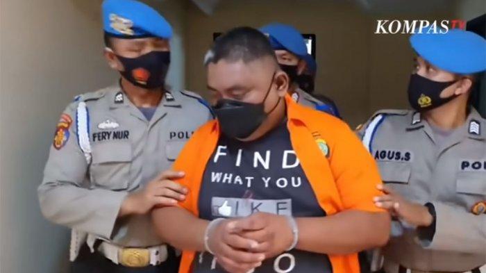 BREAKING NEWS Polisi Gelar Rekonstruksi Penembakan di RM Cafe, Bripka CS Dihadirkan