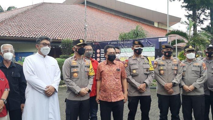 Wakapolda Metro Jaya Tinjau Pengamanan di Gereja Katolik Keluarga Kudus Rawamangun