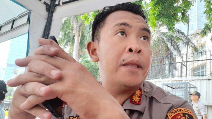 Cerita Wakapolres Metro Jakarta Pusat, Perdana Berenang di Kolam Bundaran HI Hingga Ponsel Terendam