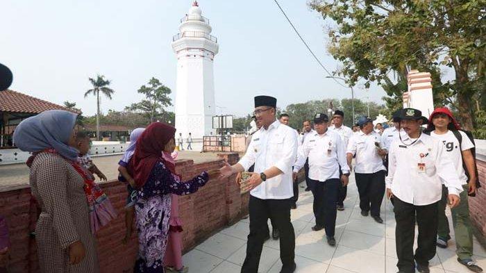 Bantah Kemendagri, Wagub Banten Curiga ada Motif Politis Soal Lurah Non PNS Tangsel