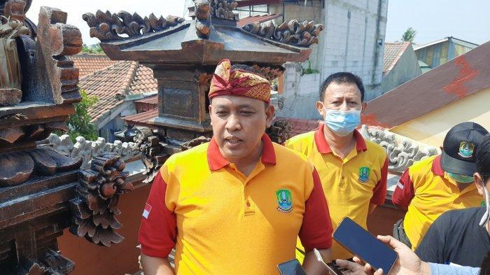 Wakil Wali Kota Bekasi Tri Adhianto saat mengunjungi Kampung Bali di Kelurahan Harapan Jaya, Bekasi Utara, Rabu, (9/9/2020).