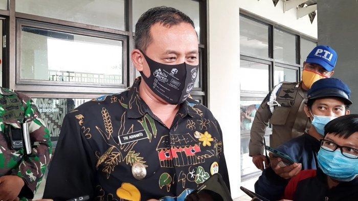 Wakil Wali Kota Bekasi Tri Adhianto saat dijumpai usai rapat kordinasi virtual dengan Gubernur DKI Jakarta Anies Baswedan di Stadion Patriot Candrabhaga Bekasi, Kamis, (10/9/2020).