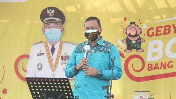 Wakil Wali Kota Bekasi Tri Adhianto saat menghadiri acara di Kecamatan Mustikajaya, Kota Bekasi, Minggu (22/11/2020).