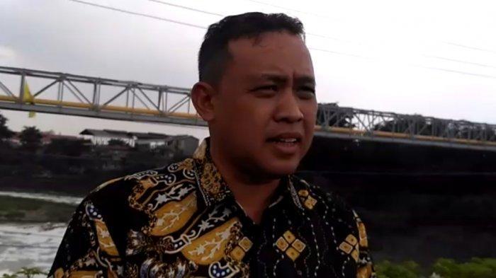 Wakil Wali Kota Heran Kali Bekasi Tiba-tiba Muncul Busa