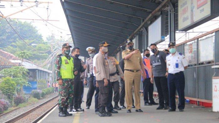 Wakil Wali Kota Bekasi Dukung Sosialisasi Penumpang KRL Gunakan Baju Lengan Panjang