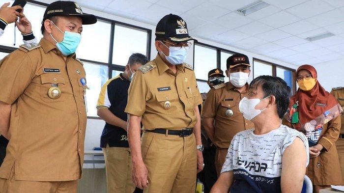 Vaksinasi Covid-19 Untuk Pelaku UMKM dan PKL di Kota Tangerang Dilanjutkan Selama 3 Hari
