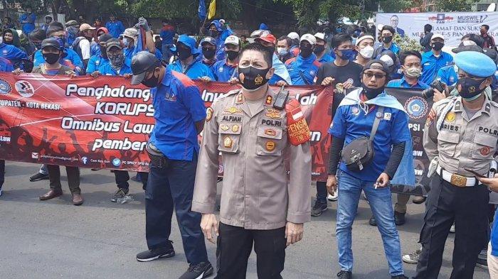 Polisi Lakukan Penyekatan 10 Titik di Kota Bekasi, Antisipasi Pergerakan Massa Demonstrasi