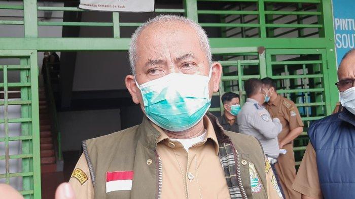 Wali Kota Bekasi Rahmat Effendi di Stadion Patriot Candrabhaga, Jalan Jenderal Ahmad Yani, Kecamatan Bekasi Selatan, Kota Bekasi, Senin (15/3/2021).