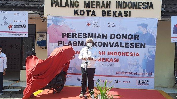 Wali Kota Bekasi Rahmat Effendi saat hadir di acara peresmian layanan donor plasma konvalesen PMI Kota Bekasi, Kamis (11/2/2021).