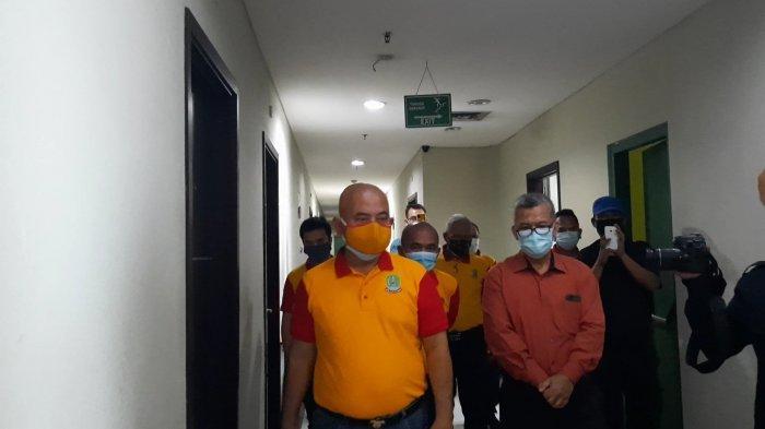 Wali Kota Bekasi Rahmat Effendi saat meninjau kesiapan fasilitas isolasi pasien Covid-19 di The Green Hotel Bekasi, Rabu (23/9/2020).