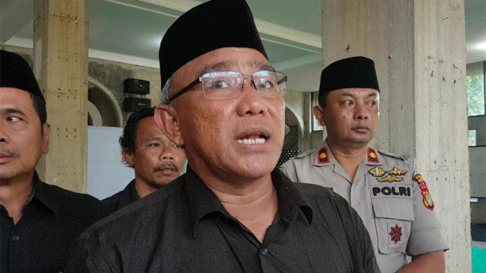 Wali Kota Depok Imami Salat Jenazah Korban Kecelakaan Bus di Subang