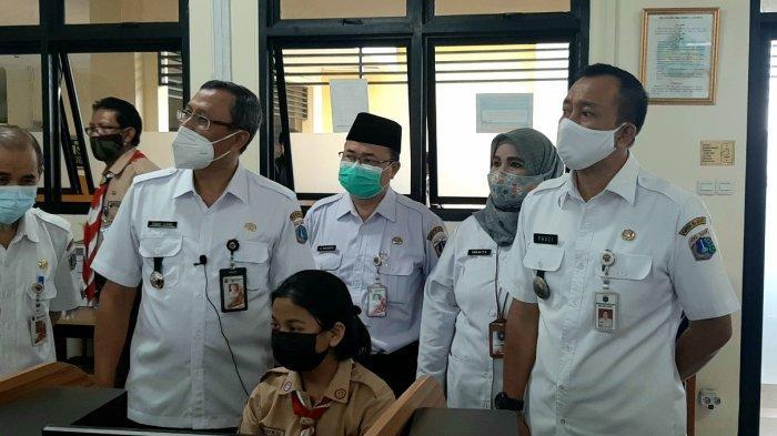 Wali Kota Jakarta Pusat Tinjau Pembelajaran Tatap Muka di SMKN 2: Siswa-siswa Kangen Sekolah
