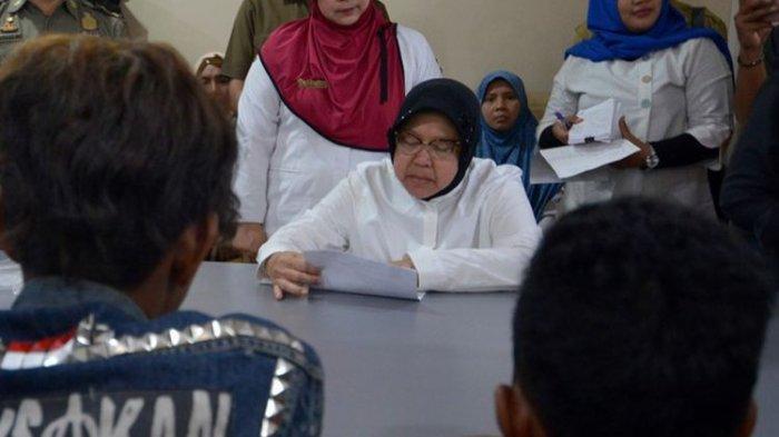 Siswa SD Surabaya Ngelem Gegara Putus Cinta di Medsos, Sekolahnya Langsung Didatangi Risma