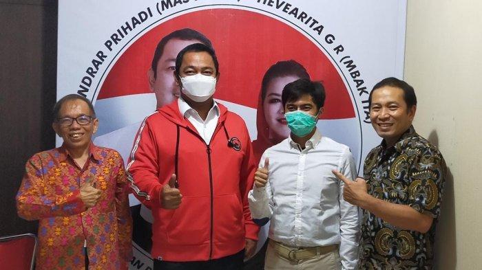 Felix Sutandy Mitra lokal Qopnet (kiri), Ibnu auzia sebagai Managing Partner Qopnet (ketiga dari kiri) bersama Walikota Semarang (kedua dari kiri) dan Andre Pras (kanan) pengurus Koperasi Unika